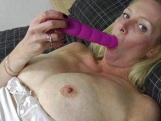 Порно со зрелыми крупным планом