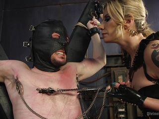 Порно срет в рот рабам