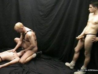 Видео гей трахает гея русские